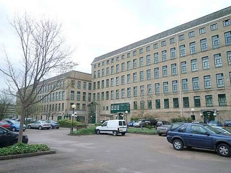 2 Bedrooms Apartment Flat for rent in Riverside Court, Saltaire BD18