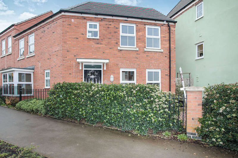 3 Bedrooms Semi Detached House for sale in Brights Road, Nuneaton, CV10