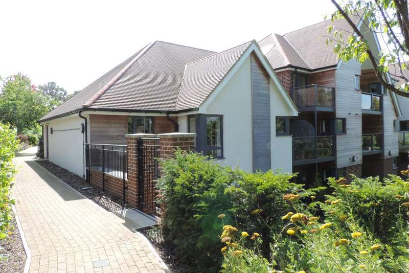 2 Bedrooms Retirement Property for sale in Mandeville Court, Darkes Lane, Potters Bar EN6