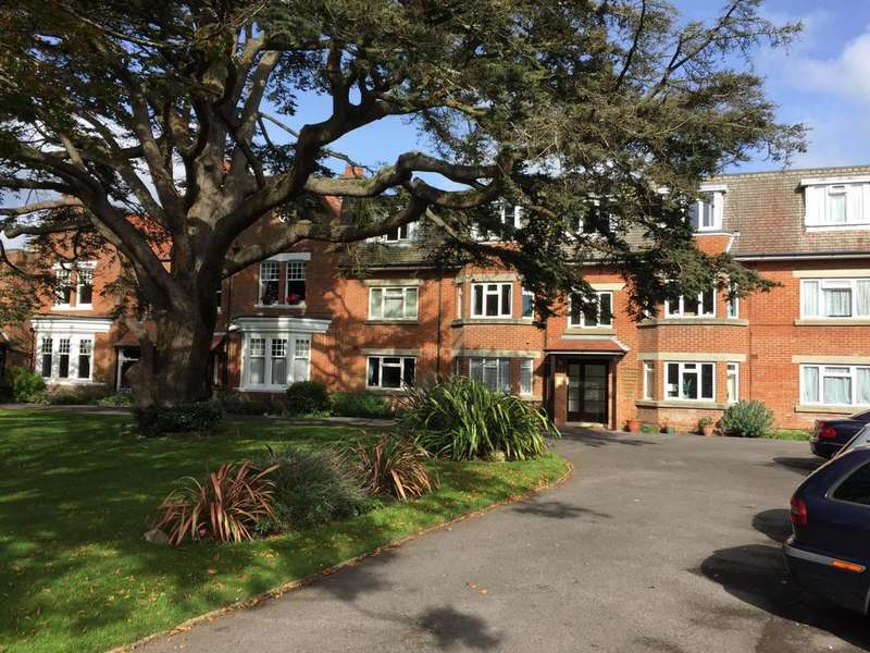 2 Bedrooms Apartment Flat for sale in f7 Ditton Lodge, bournemouth, bh6