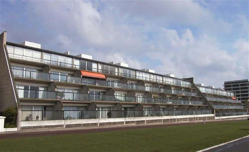 2 Bedrooms Apartment Flat for rent in The Leas, Folkestone, Kent, CT20