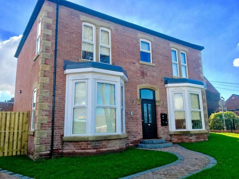 4 Bedrooms Detached House for sale in Barnsley Road, Wombwell, Barnsley