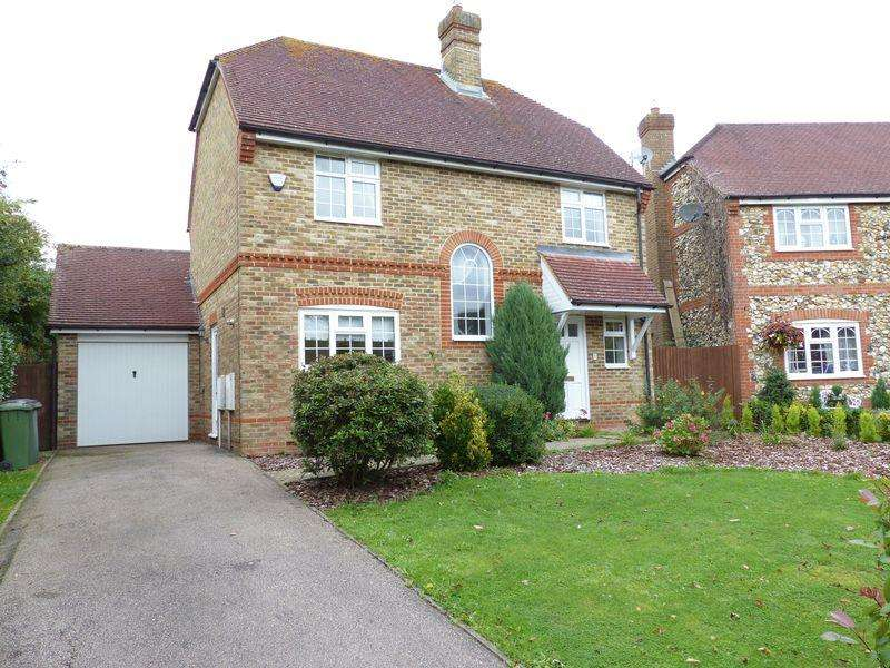 3 Bedrooms Detached House for rent in Pondfield Road, Horsham