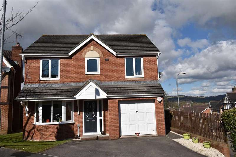 4 Bedrooms Detached House for sale in Castle Wood, Chepstow