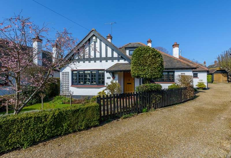 4 Bedrooms Detached Bungalow for sale in Cul-de-Sac Setting, Thorpe Bay