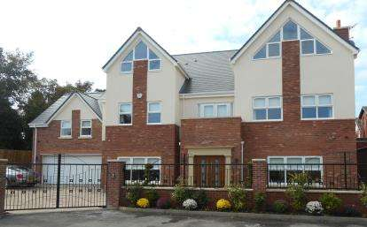 6 Bedrooms Detached House for sale in Dune Close, Ainsdale, Southport, PR8