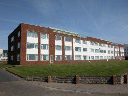3 Bedrooms Flat for sale in Weston Court Burbo Bank Road, Blundellsands, Liverpool, Merseyside, L23