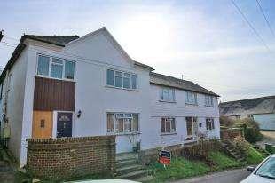2 Bedrooms Flat for sale in Abbey Court, Fair Lane, Robertsbridge, East Sussex