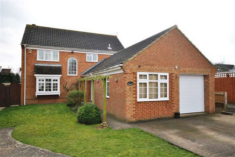 4 Bedrooms Detached House for sale in Abington Vale