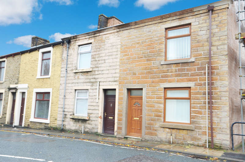 2 Bedrooms Flat for sale in Henry Street, Church, Accrington