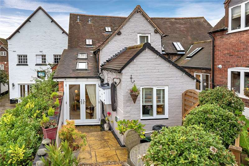 2 Bedrooms Cottage House for sale in 3 Tudor Court, Bridgnorth, Shropshire, WV16