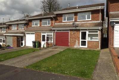 3 Bedrooms Semi Detached House for rent in Town Centre, RG21