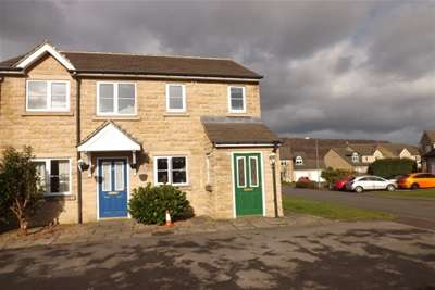 2 Bedrooms Flat for rent in Old Earth, Elland, HX5 9ES
