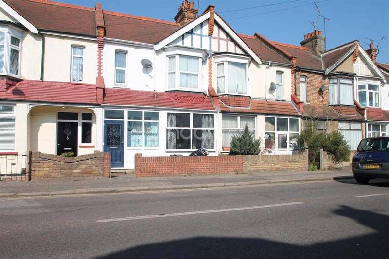 3 Bedrooms Detached House for rent in Fairfax Drive, Westcliff