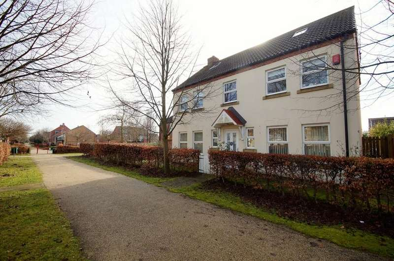 5 Bedrooms Detached House for sale in Raven's View, Witham St. Hughs