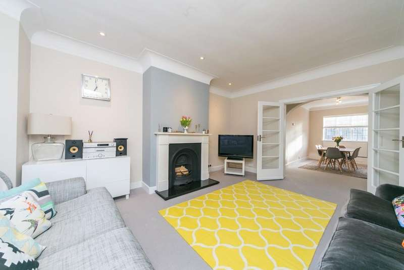 2 Bedrooms Apartment Flat for sale in Tudor Close, London