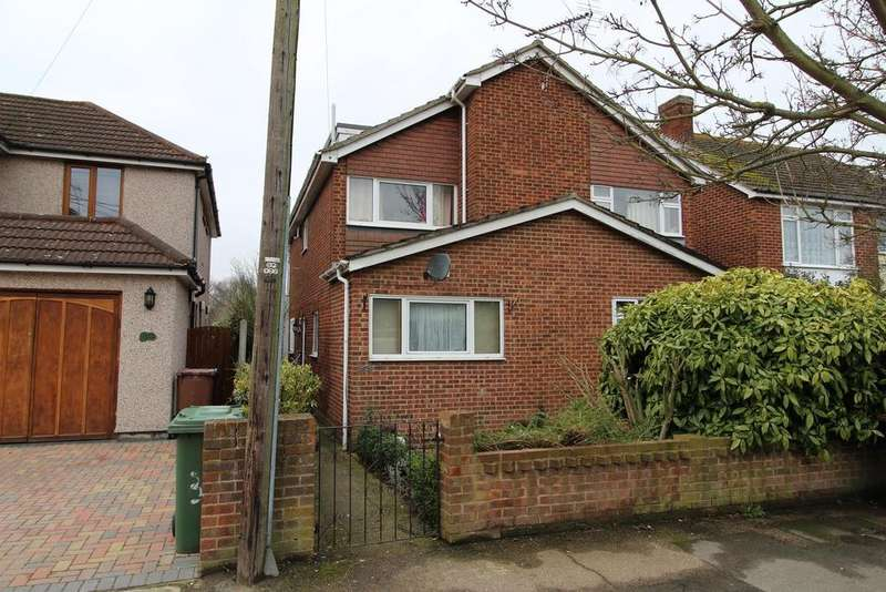 3 Bedrooms Semi Detached House for sale in Gordon Road, Horndon-On-The-Hill, Stanford-Le-Hope, Essex, SS17