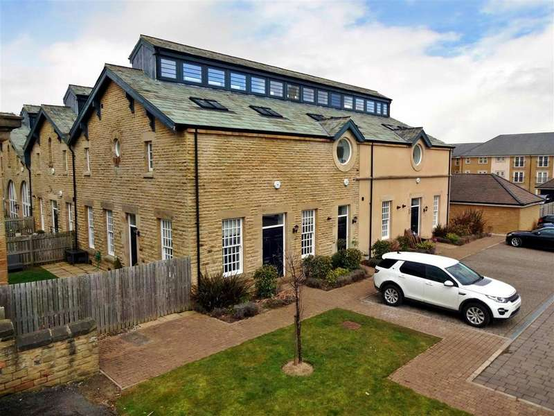 3 Bedrooms Town House for sale in 3 Cotterdale, 6 Clifford Drive, Menston.