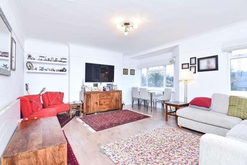 3 Bedrooms Flat for sale in Queens Court, Queens Road, TW10
