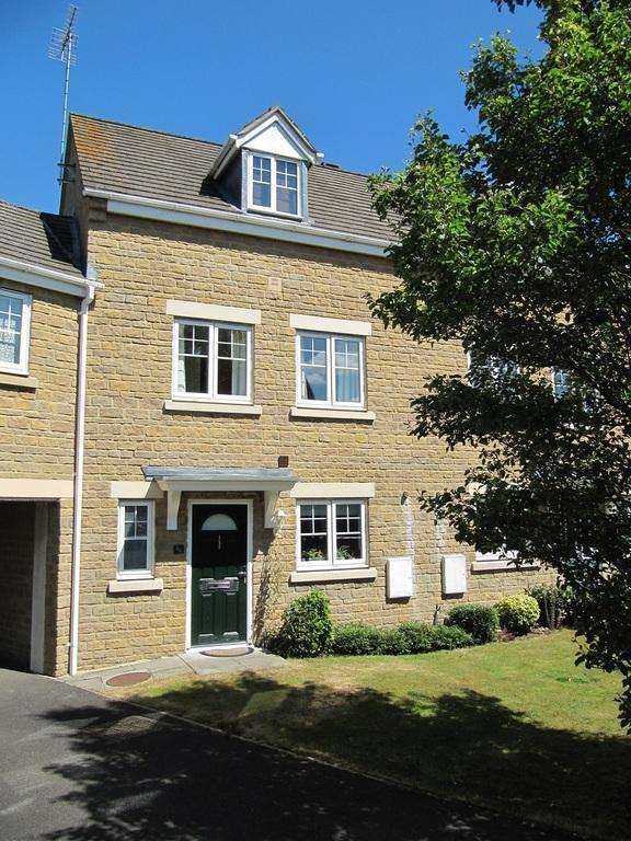 3 Bedrooms Town House for rent in Lapsley Drive