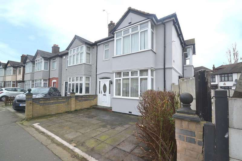 3 Bedrooms Semi Detached House for rent in Collier Row Lane, Collier Row