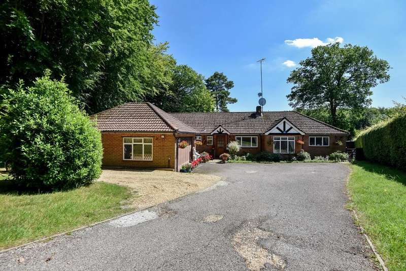 4 Bedrooms Detached Bungalow for sale in Hazlemere, Buckinghamshire, HP15