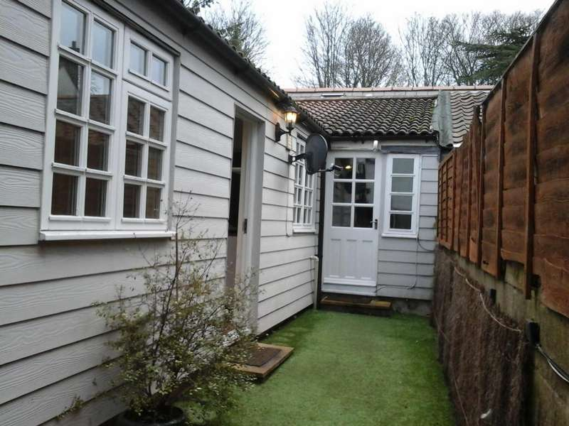 1 Bedroom Cottage House for rent in High Street, Ongar, CM5