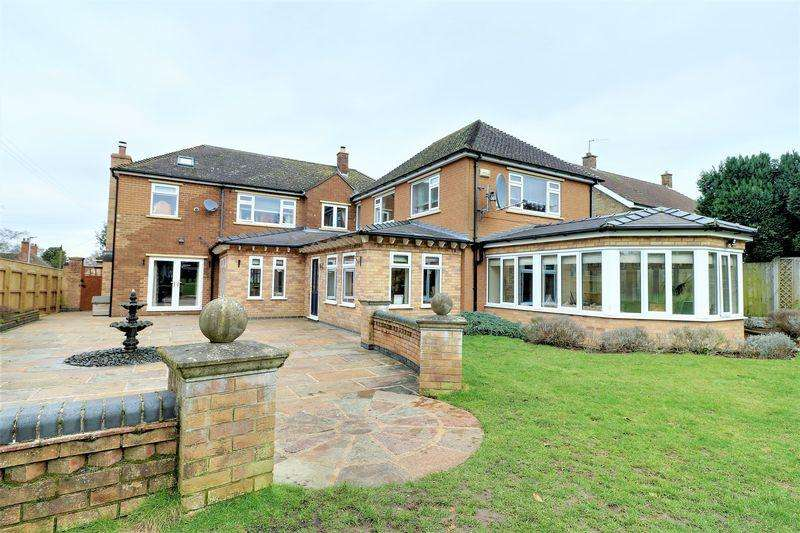 4 Bedrooms Detached House for sale in The Avenue, Burton-Upon-Stather Scunthorpe