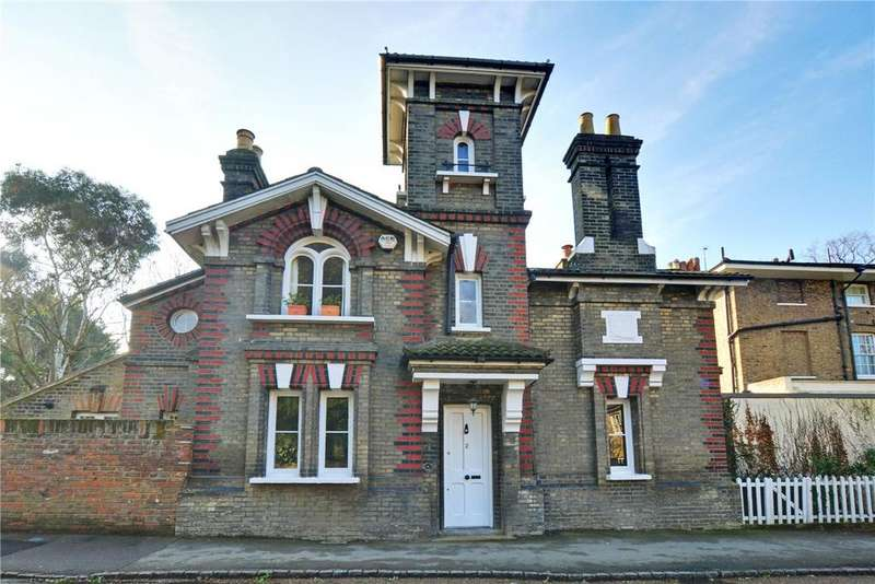 2 Bedrooms Detached House for sale in Manor Way, Blackheath, London, SE3