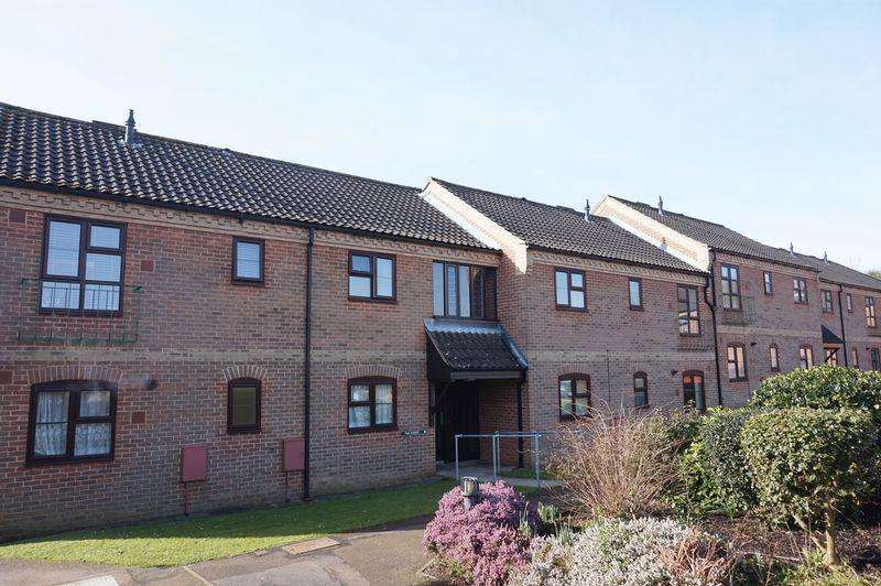 2 Bedrooms Apartment Flat for sale in Rowan Court, New Costessey, Norwich