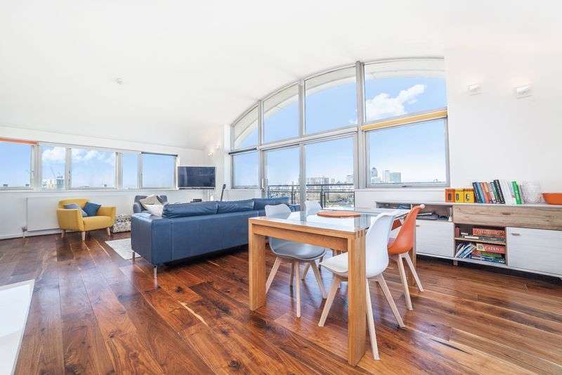 2 Bedrooms Property for sale in John Harrison Way, London