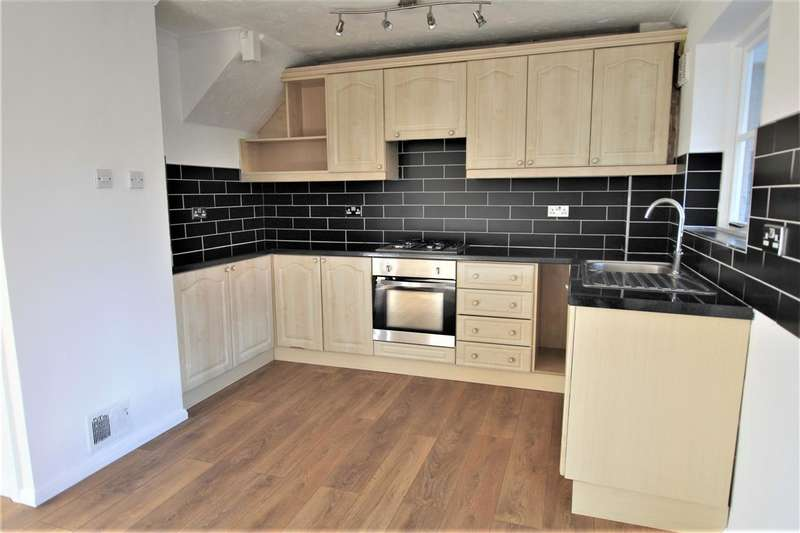 3 Bedrooms Link Detached House for rent in Bamborough Close, Southwater, Horsham