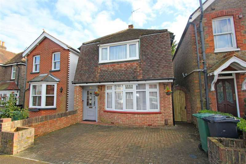 3 Bedrooms Detached House for rent in Southcote Road, Merstham