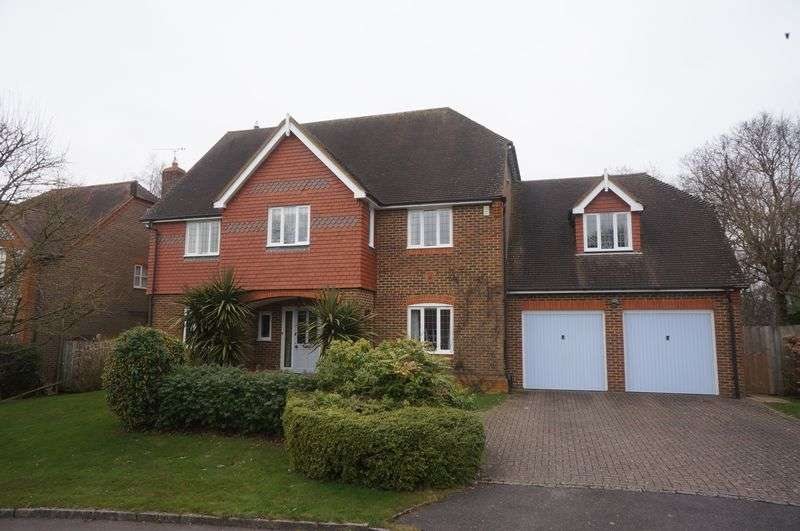 5 Bedrooms Property for rent in Penrose Way Four Marks, Alton
