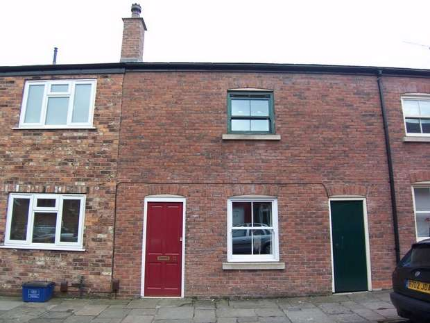 2 Bedrooms Terraced House for sale in James Street, Macclesfield, Cheshire