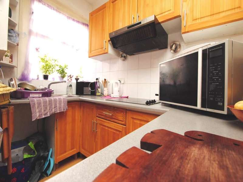 Flat for sale in Portswood Road, Southampton, SO17