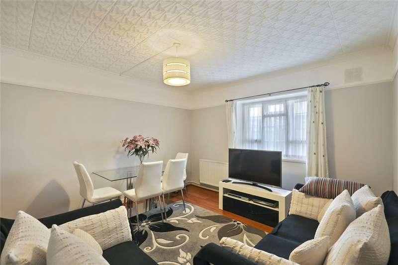 2 Bedrooms Flat for sale in Hughes Mansions, Vallance Road, London, E1