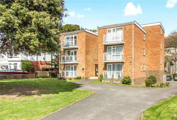 2 Bedrooms Flat for sale in Southbourne, Bournemouth, Dorset, BH6