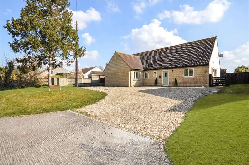 3 Bedrooms Detached Bungalow for sale in Weir Lane, Yeovilton, Yeovil, Somerset, BA22
