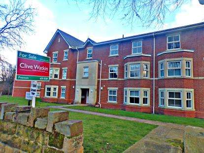 1 Bedroom Flat for sale in Trinity Gardens, Kingsmead Road South, Oxton, Wirral, CH43