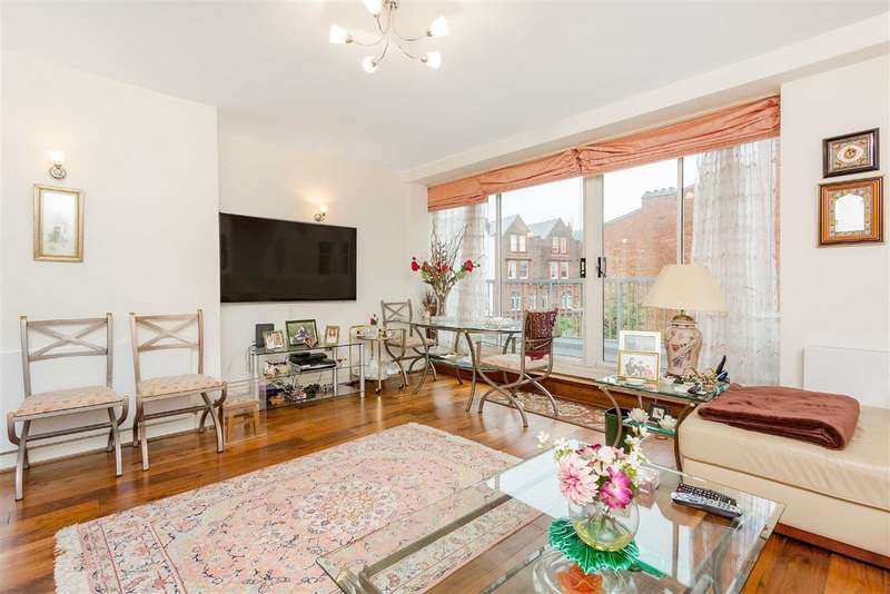 3 Bedrooms Flat for sale in Broadhurst Gardens, London, NW6