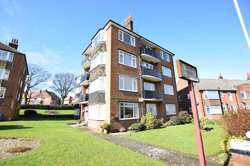 2 Bedrooms Flat for sale in North Leas Manor, Scarborough