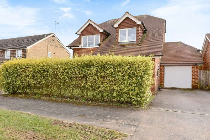 3 Bedrooms Detached House for sale in Roman Road, Basingstoke, RG23
