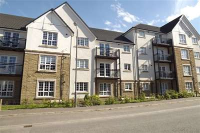 2 Bedrooms Flat for rent in Crown Crescent, Larbert