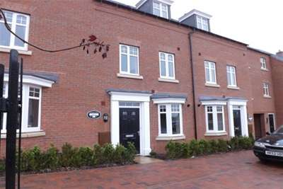 4 Bedrooms Town House for rent in Olympic Way, Hinckley, LE10 3DR