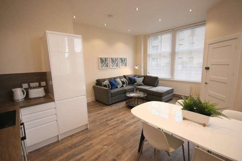 2 Bedrooms Flat for rent in Slateford Road, Edinburgh