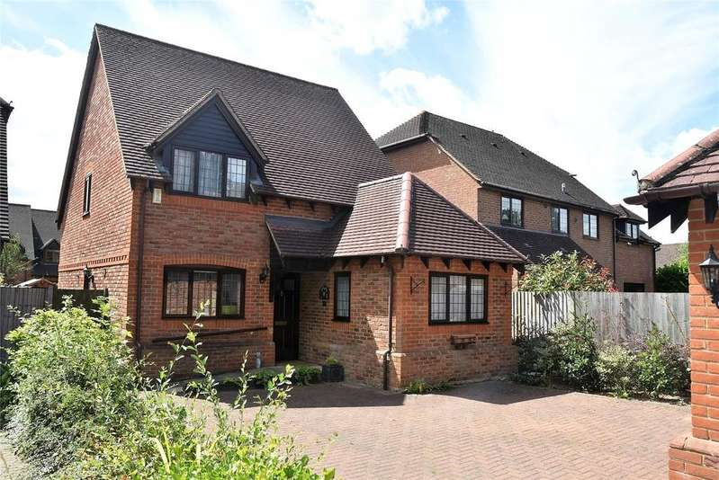 3 Bedrooms Detached House for rent in Elisha Place, Sarum Road, Tadley, Hampshire, RG26