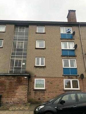 2 Bedrooms Flat for rent in Stormont Street