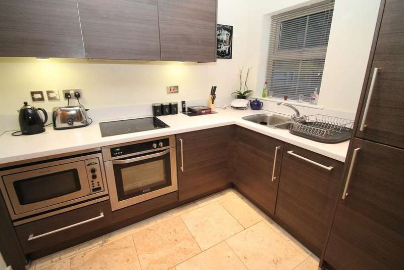 2 Bedrooms Apartment Flat for rent in The Junxion, Station Approach, Headingley