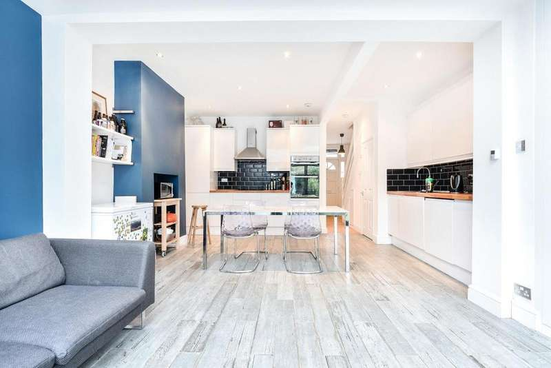 3 Bedrooms Terraced House for sale in Ascot Road, Tooting